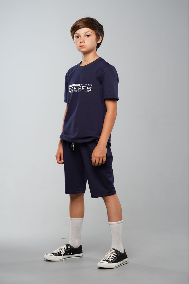 Футболка з шортами